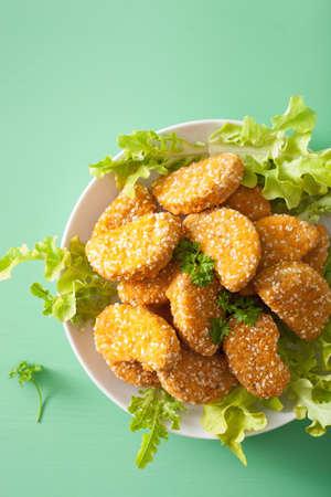 vegan soy nuggets healthy meal Banco de Imagens