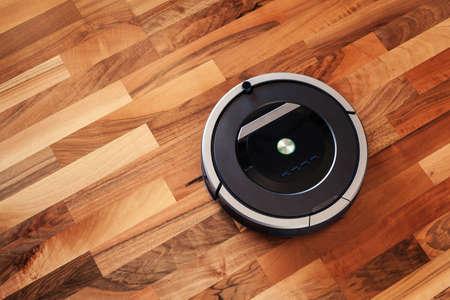 라미네이트 나무 바닥에 로봇 청소기 스마트 청소 기술