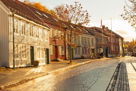 Trondheim street in autumn, Norway Foto de archivo - 96184278