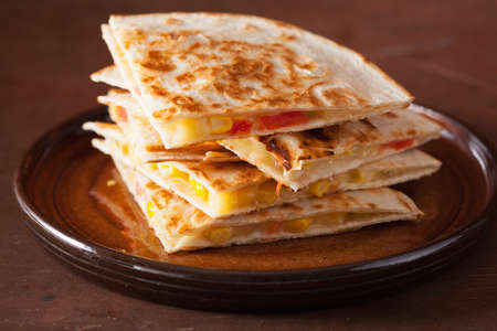 mexican quesadilla with tomato corn cheese 版權商用圖片 - 103124480