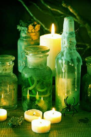 witch apothecary jars magic potions halloween decoration Archivio Fotografico - 107833107