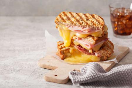 grilled ham and cheese sandwich Reklamní fotografie - 150124080