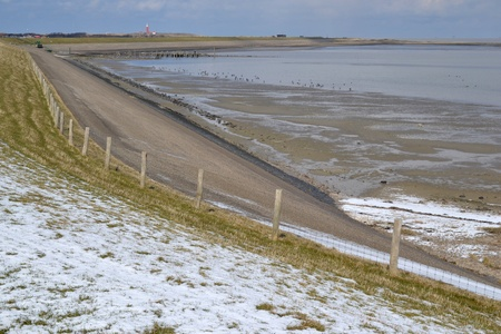 berm: Snow-covered landscape in the North of Texel, Netherlands