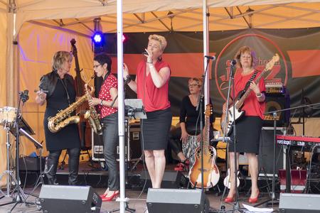 bb: NETHERLANDS - VOORSCHOTEN - 15 JUNI 2016: BB Queenies during performance at Voorschoten Jazz Culinary Overalls 2016.