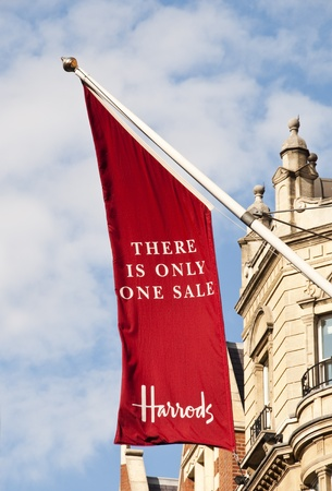 LONDON, UK - JUNE 19: The summer sale have started at Harrods on June 19, 2011 in London, UK Stock Photo - 9735325