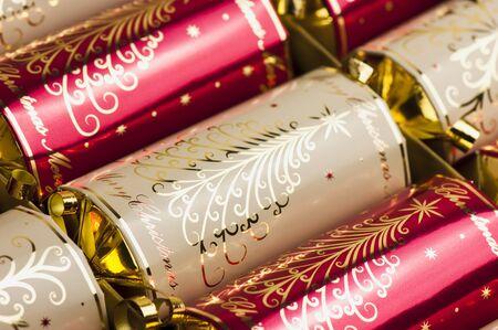 galletas integrales: De oro y las galletas de Navidad de color rojo