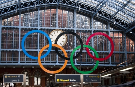 LONDON - AUGUST 16: The Olympic rings at St Pancras International Rail Station on August 16, 2011. The Olympic rings greet passengers in preparation for the London 2012 Olympic Games. Stock Photo - 10339720