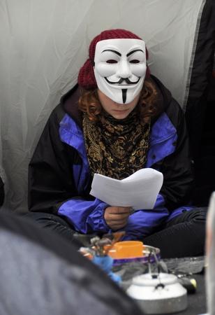 desigualdad: LONDRES - 27 DE OCTUBRE: Ocupar campamento de Londres, fuera de la catedral de San Pablo el 27 de octubre de 2011 en Londres. Ocupar Londres es una manifestaci�n pac�fica contra la desigualdad econ�mica y la injusticia social.