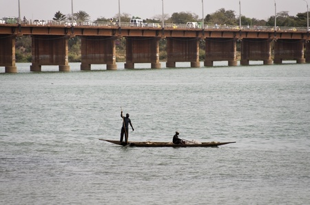 bamako: Bamako, Mali - February 15, 2012: Bozo fishermen on the river Niger in Bamako, Mali