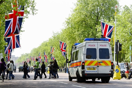 LONDON, UK - APRIL 28, 2011: The Mall is decorated with Union Jack flags in preparation of the Royal Wedding to be held the day after on April 28, 2011 in London. Stock Photo - 13744195
