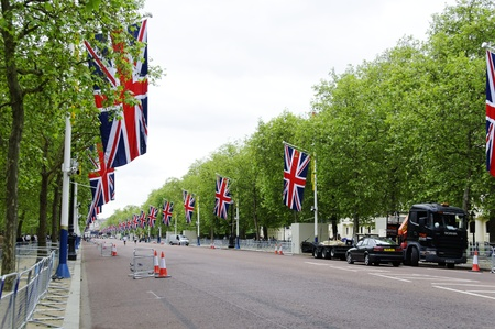 reign: LONDON, UK, Friday 1 June 1, 2012. Preparation and decoration of the Mall and Buckingham Palace for the Queens Diamond Jubilee Editorial