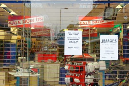 London, UK, 12th January 2013. Jessops camera store on High Street Putney  is closed. Jessops went into administration on Friday 11th January 2013 and as a result has shut all of its 187 stores. About 1370 jobs will be lost. Stock Photo - 17262701
