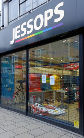 London, UK, 12th January 2013. Jessops camera store on High Street Putney  is closed. Jessops went into administration on Friday 11th January 2013 and as a result has shut all of its 187 stores. About 1370 jobs will be lost. Stock Photo - 17262702
