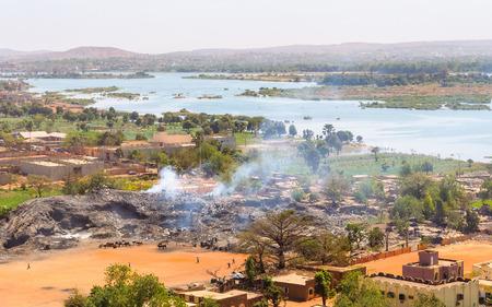 Bekijk van Bamako en de rivier de Niger in Mali Stockfoto