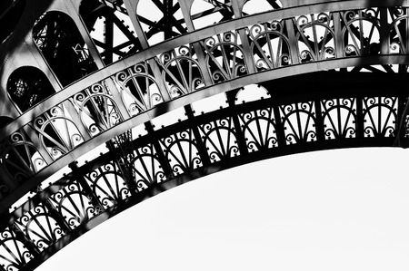 Eiffel Tower detail in black and white 版權商用圖片