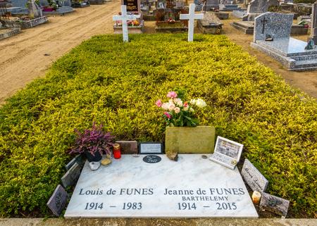 LE CELLIER, FRANCE - CIRCA JANUARY 2018: Louis de Funès grave. Louis de Funès was a famous French actor. 報道画像