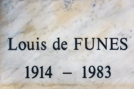LE CELLIER, FRANCE - CIRCA JANUARY 2018: Detail of Louis de Funès grave. Louis de Funès was a famous French actor. 報道画像