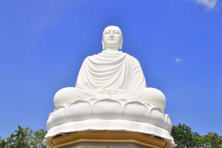 White big statue of Buddha