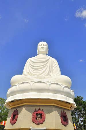 buddhist monk: White big statue of Buddha