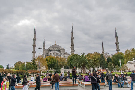camii: View on The Blue Mosque,  Sultanahmet Camii , Istanbul, Turkey Editorial