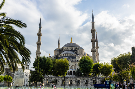 blue mosque: View on Blue Mosque (Sultanahmet Camii) in Istanbul, Turkey