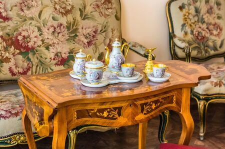 selo: Antique tea set in Catherine Palace in Tsarskoye Selo (Pushkin) in Russia Editorial