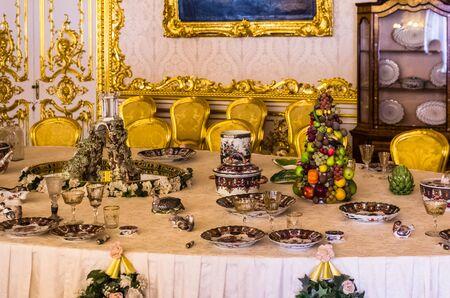 tsarskoye: Antique dinner table in Catherine Palace in Tsarskoye Selo (Pushkin) in Russia