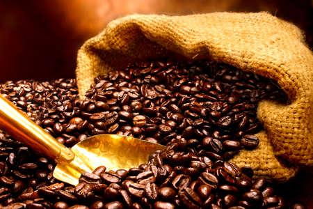 greek pot: Sacchetto di chicchi di caffè