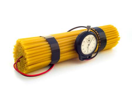 탄수화물의 과잉 1 - 폭발물과 비슷한 방식으로 포장 된 스파게티 팩.