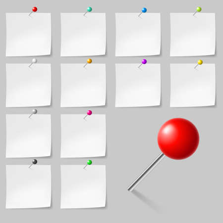 sticky notes: Set of Blank sticky notes with pushpins