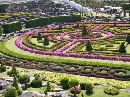 singularity: One of the most interesting sights of the city of Pattaya is the world famous park of Nong Nuch. Many tourists mistakenly believe that it is a simple botanical garden, and are pleasantly surprised not only beauty and singularity of a place, but also a big