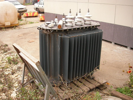 widely: Transformers are widely used in the industry and life for transfer and distribution of electric energy.