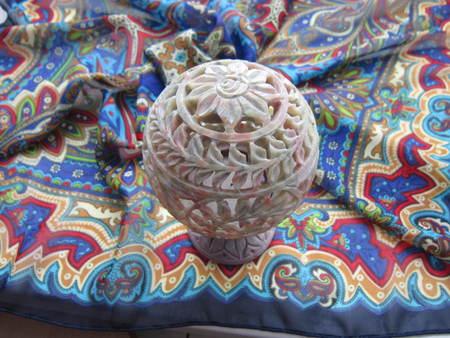 trabajo manual: piedra tallada de la l�mpara del trabajo hecho a mano