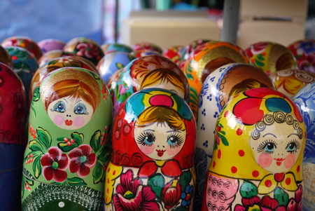 muñecas rusas: Wooden doll - painted Russian dolls with a secret inside Foto de archivo