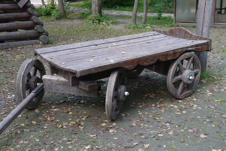 The ancient horse cart with wooden wheels Banco de Imagens