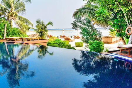 poo: Tropical beach resort swimming poo