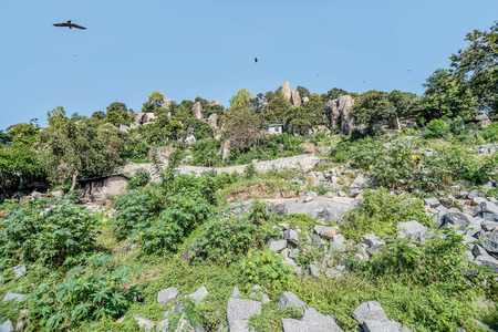 mwanza: Small houses on the hills made of rocks near lake Victoria in Mwanza, Tanzania