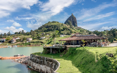 Rock of Guatape, Piedra de Penol, Colombia Imagens - 79557753