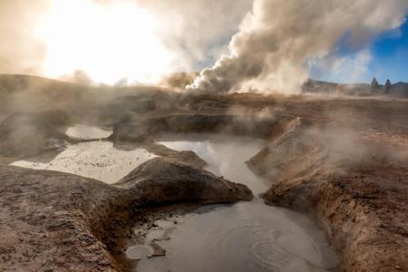 Geyser in natural reserveEduardo Avoroa, Bolivia Imagens