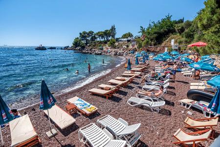 몬테네그로 아드리아 해에 위치한 바 마을의 해변