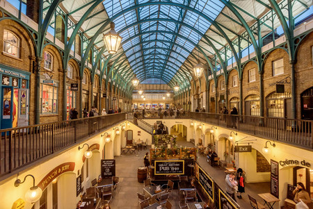 London, UK- January 12, 2018: Apple Market at Covent Garden, London Editorial