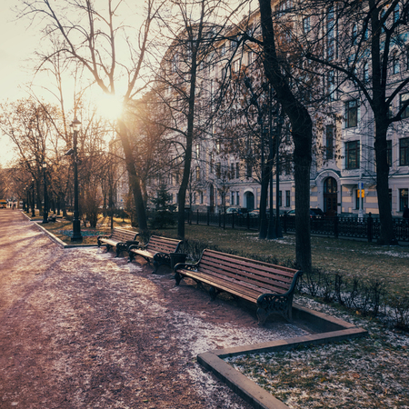 Gogol boulevard - walking street in Moscow city center in early winter on a sunny day 版權商用圖片