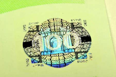 100 Euro, close-up, hologram