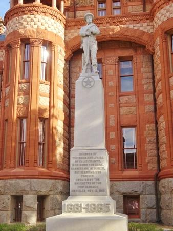 Confederacy Monument Editöryel