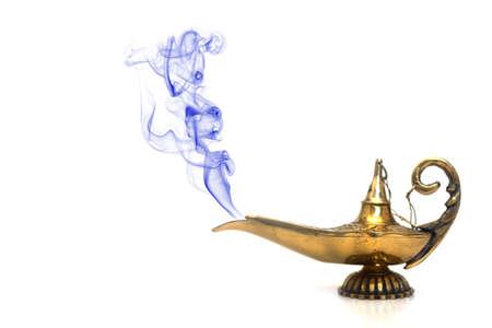 lampara magica: Un genio de la l�mpara m�gica con el humo.