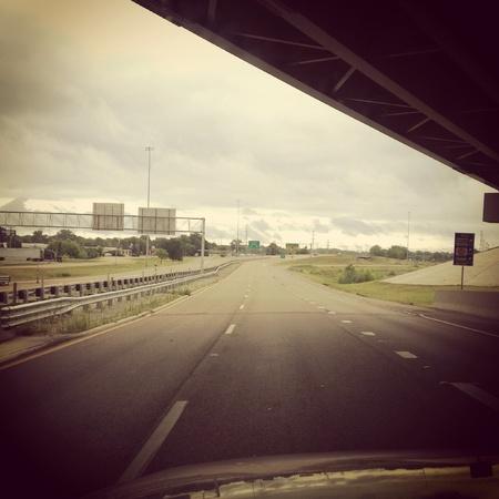 Schuss von Wolken vor einem regen Dusche blies auf meinem Weg zur Arbeit. Standard-Bild - 20681760