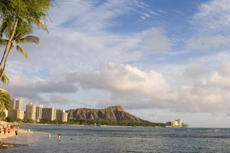waikiki, diamond head honolulu Stock Photo - 15625402