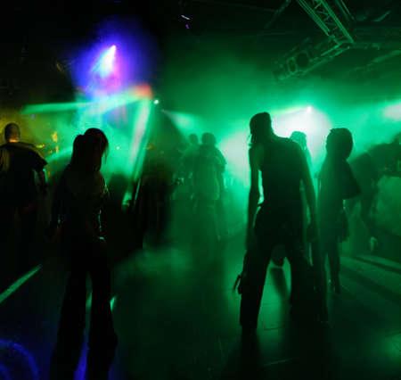 clubbers: personas bailando  Foto de archivo