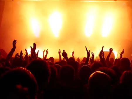 Concert crowd at rock concert Imagens
