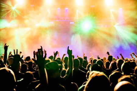 Concierto multitud en concierto de rock